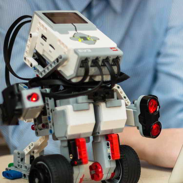 Headline - Cosmote | Robotics Contest - Image 05