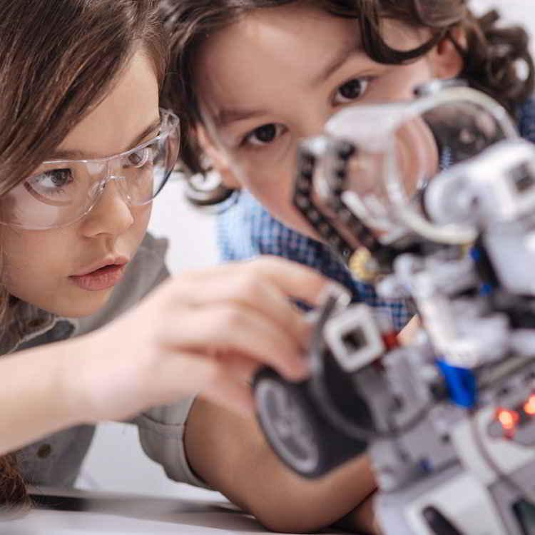 Headline - Cosmote | Robotics Contest - Image 07